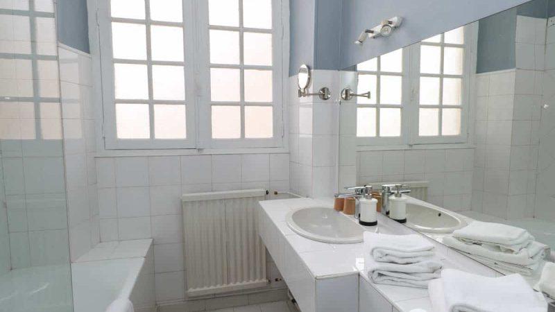 hotel-reserve-brive-la-gaillarde_chambre-2personnes-5-(4)
