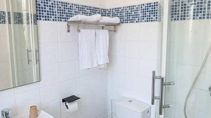 hotel-reserve-brive-la-gaillarde_chambre-classic15-(3)
