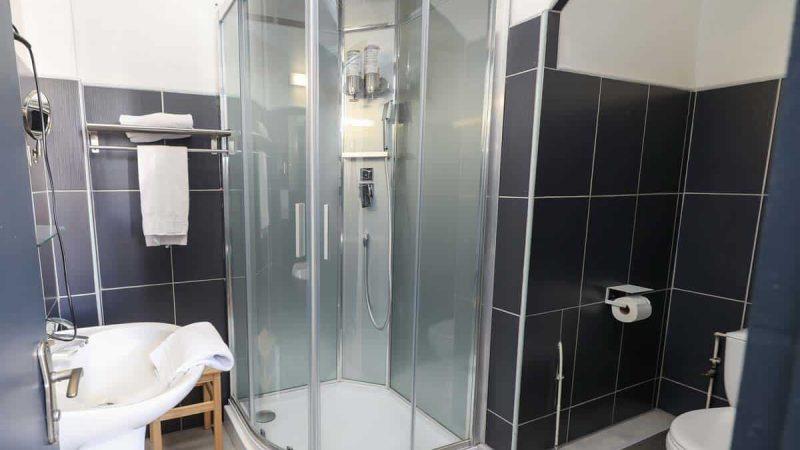 hotel-reserve-brive-la-gaillarde_chambre-classic4-(2)