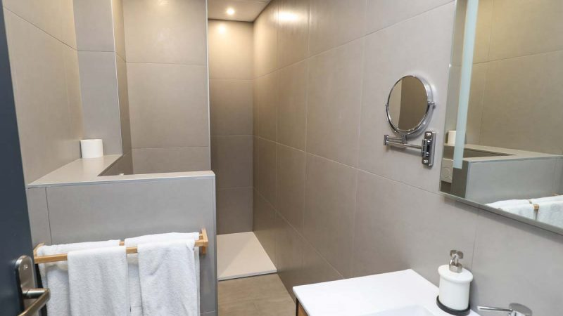 hotel-reserve-brive-la-gaillarde_suite-familiale14-(3)