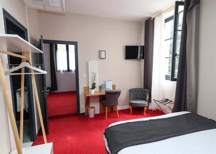 hotel-reserve-brive-la-gaillarde_suite-familiale3-(2)