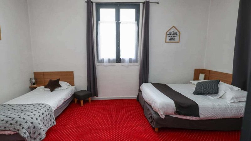 hotel-reserve-brive-la-gaillarde_suite-familiale3-(5)